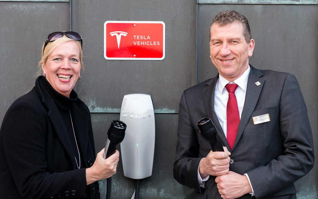Erste Tesla-Ladestation in St. Peter-Ording im ambassador hotel & spa
